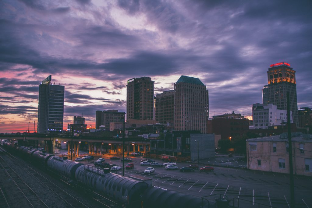A picture of the birmingham skyline.